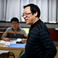 Prof. CHANG Zengyi Visits the PKU Research Skills Class