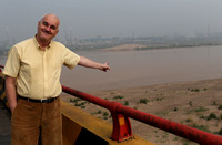Pointing to the Yellow River