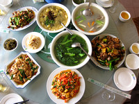 Yunnan - Lunch and a Tea Emporium 勐养农场